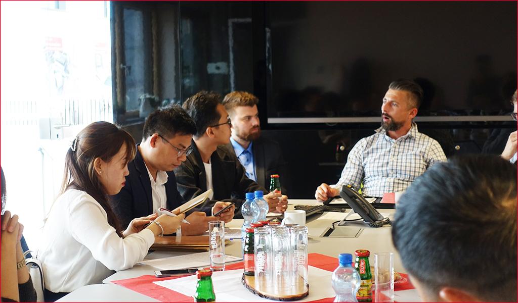 Tọa đàm cùng các chuyên gia về sàn gỗ và hệ thống bán hàng chuyên nghiệp triển khai tại Việt Nam