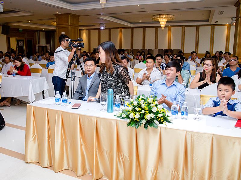 Hội nghị giới thiệu về sản phẩm và giao lưu với các chuyên gia sàn gỗ tại Việt Nam
