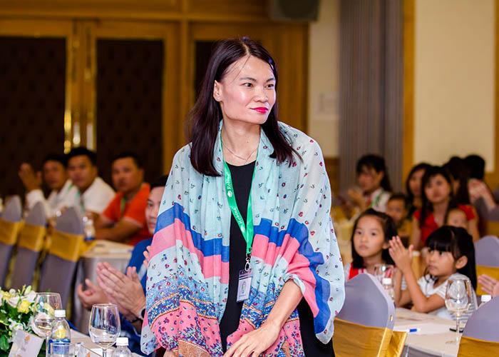 Bà YoYo Yab - trưởng phòng kinh doanh Marleting Robina