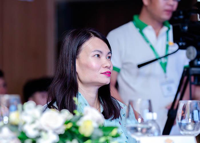 Sự có mặt đặc biệt của bà YoYo Yap - Đại diện nhà máy Robina
